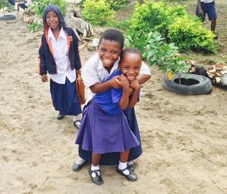 Laza anyák, boldog gyerekek - nem csak sajnálni kell az afrikai anyákat